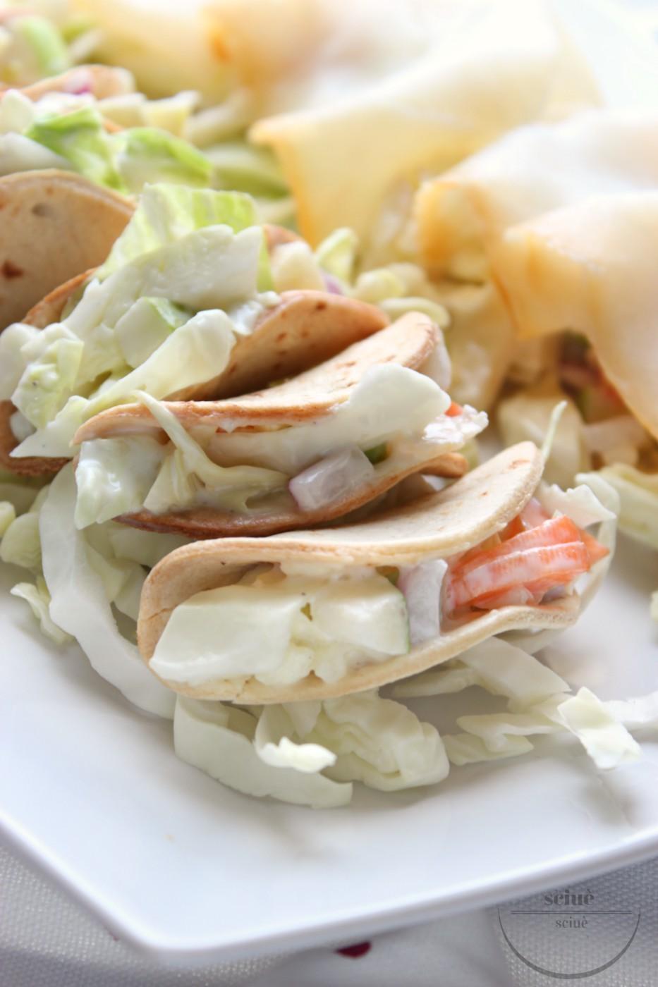 tacos con coleslaw